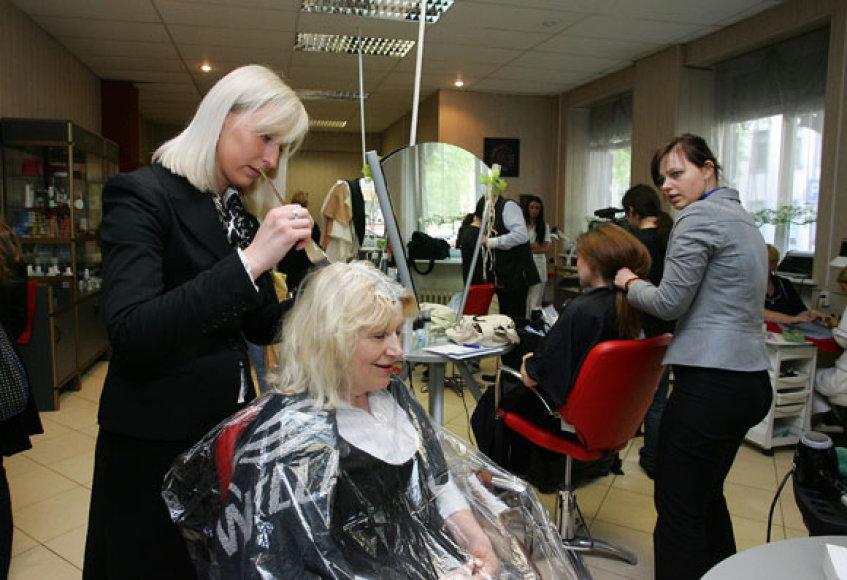 Įkūrus naują centrą grožio profesijų Kaune besimokantys žmonės turės galimybę įgyti praktikos, dirbdami su naujausia įranga ir priemonėmis.