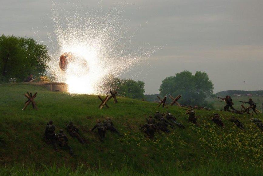 Tarptautinės muziejų nakties metu IX forte jau ne pirmus metus atkuriamas istorinio karo fragmentas. Praėjusių metų akimirka.