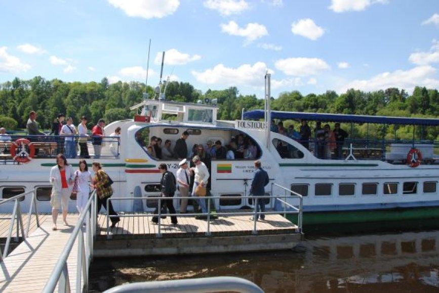 Į Kulautuvą sekmadieniais plaukiojęs laivas nuolat pilnas keleivių