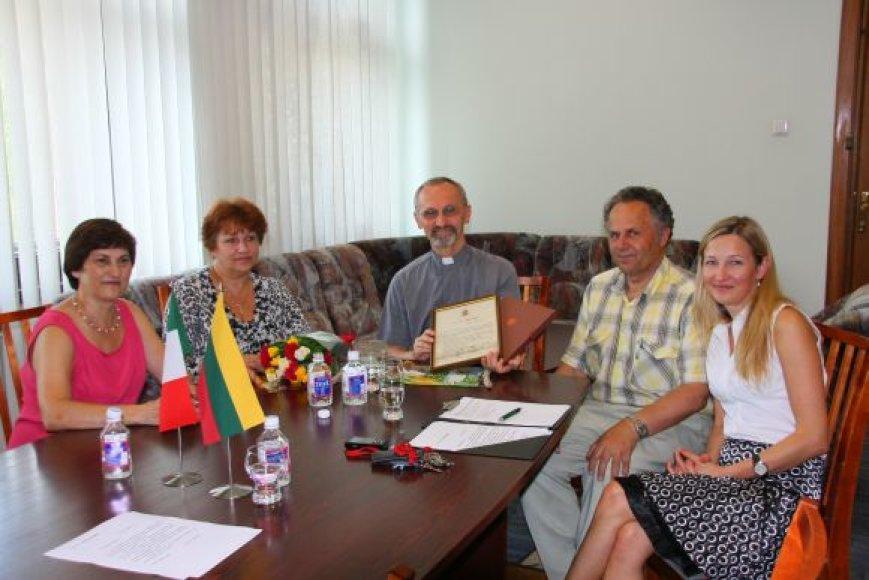 Kunigas Renatas Abeni prieš septynerius metus atvyko iš Brescija (Italija) miesto.