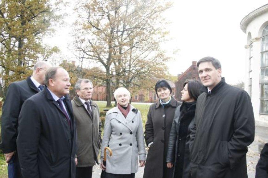 Penktadienį Kauno rajone lankėsi Ūkio ministras D.Kreivys (dešinėje)