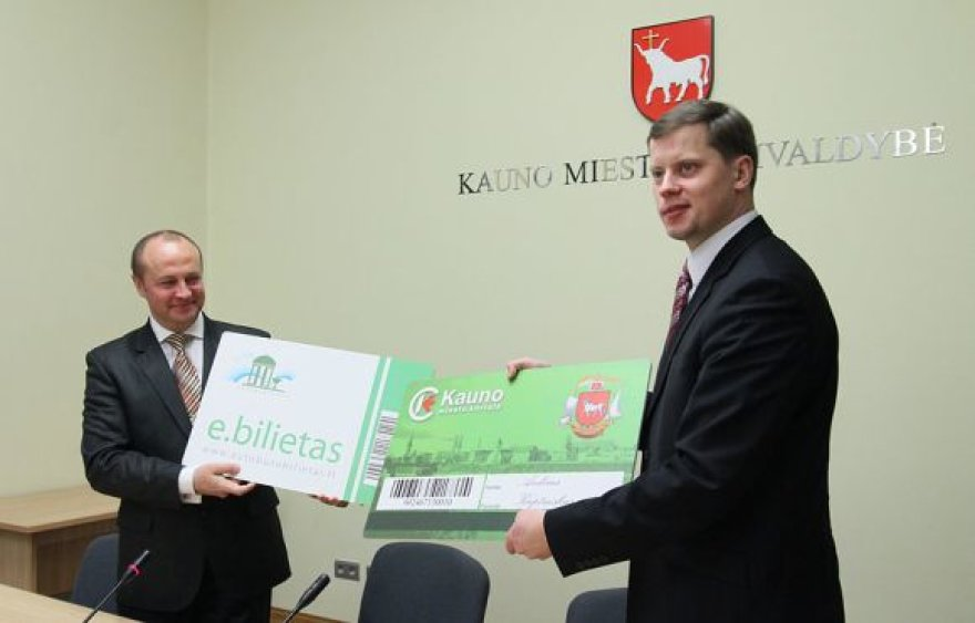 Druskininkų ir Kauno merų pasirašyta sutartis apibendrino bendro e.bilieto šiuose miestuose projektą