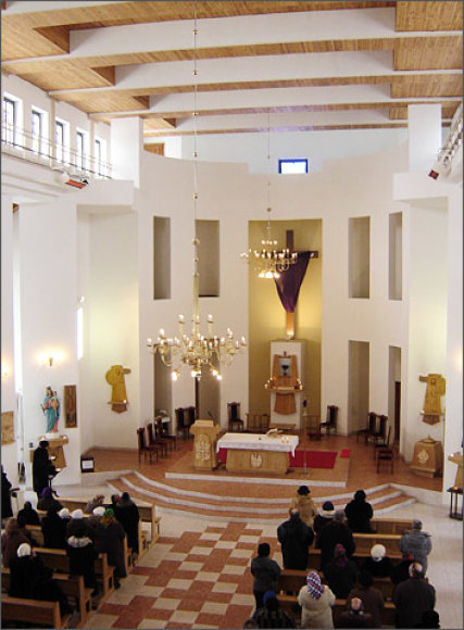 Švč. M. Marijos Rožinio Karalienės bažnyčia Palemone