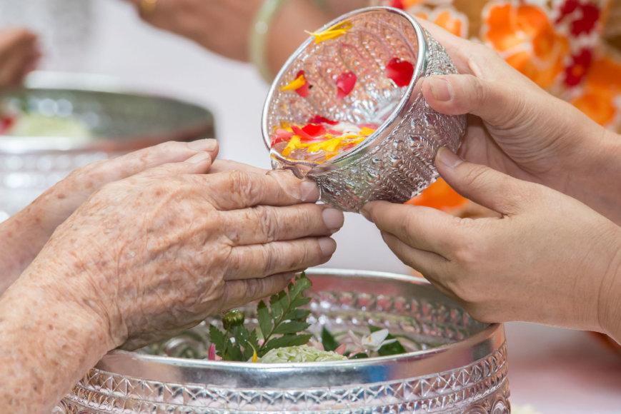 123rf.com /Viena iš Songkrano šventės tradicijų