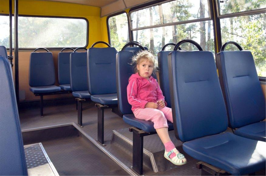 123rf.com /Lietuvoje vaikui iki 7-erių metų keliaujant tarpmiestiniu autobusu bilieto pirkti nereikia, tačiau jam nepriklauso ir atskira vieta