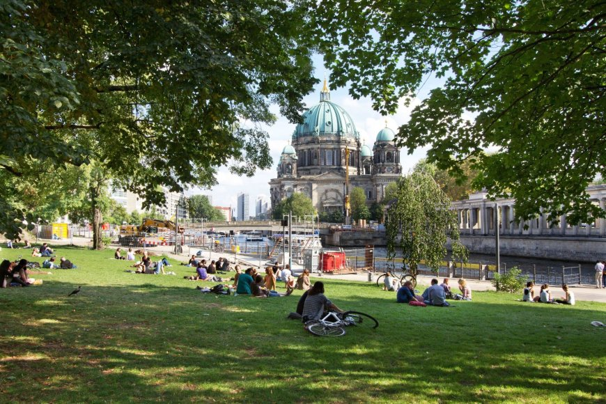123RF.com/Vasaros popietė viename iš Berlyno parkų
