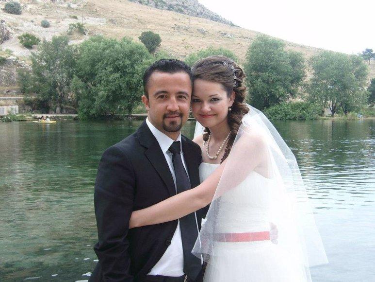 Asmeninės nuotr./Pažintis su lietuvaite Indre turkui Mustafa baigėsi laimingai – pora susituokė