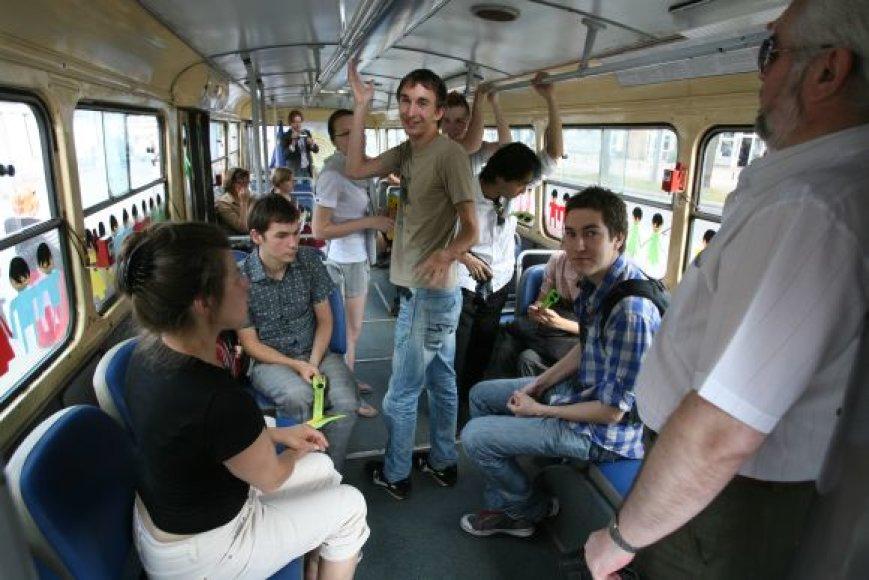 Toleranciją skatinantis troleibusas Vilniuje kursuos dvi dienas, o paskui persikels į Kauną.