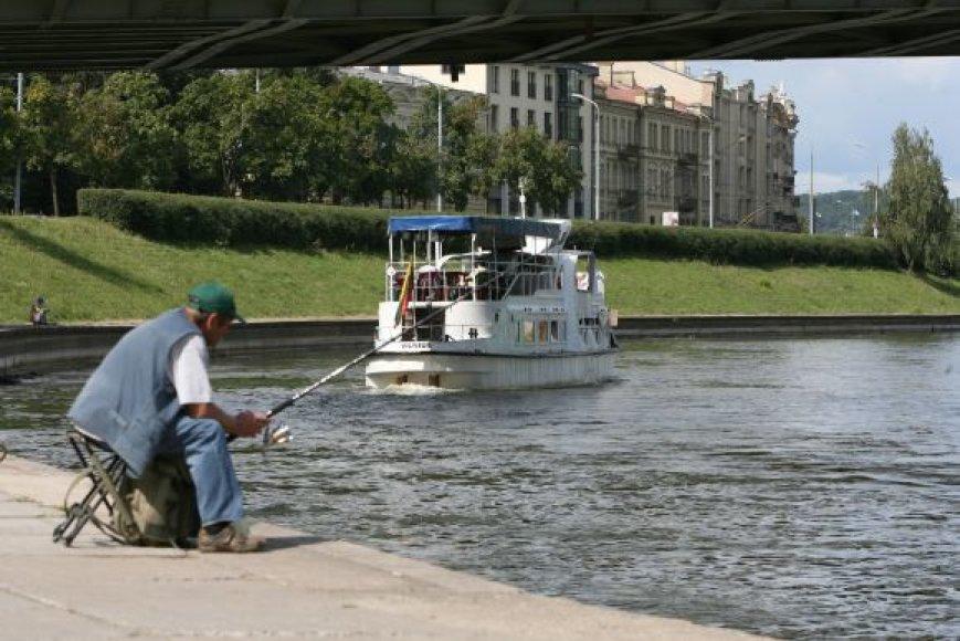 Bijoma, kad ekonominis sunkmetis ir pinigų trūkumas upės priežiūrai nenumarintų  paneryje neseniai aktyviau pradėjusių veikti verslininkų ir vilniečiams bei turistams kuriamų atrakcijų.