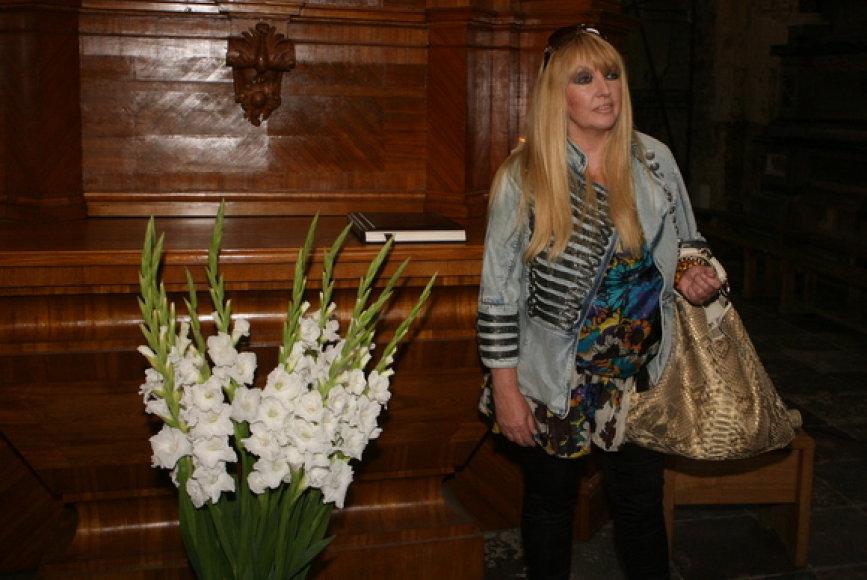 Prie Bernardinų bažnyčios altoriaus pristatymo prisidėjo ir lenkų pop žvaigždė Maryla Rodowicz.
