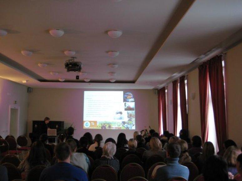 """Antradienį uostamiestyje vykusioje konferencijoje """"Drauge nuo 2004-ųjų metų"""" buvo mokomasi praktinių ekologinės gyvensenos įgūdžių."""