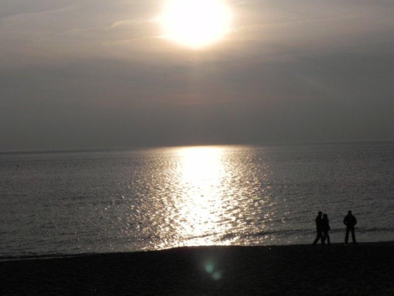 Saulėlydis pajūryje. 2011 m. balandžio 3 d.