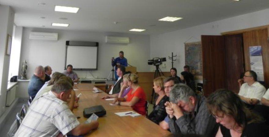 Klaipėdos rajono savivaldybėje virė aistros dėl LEZ plėtros.