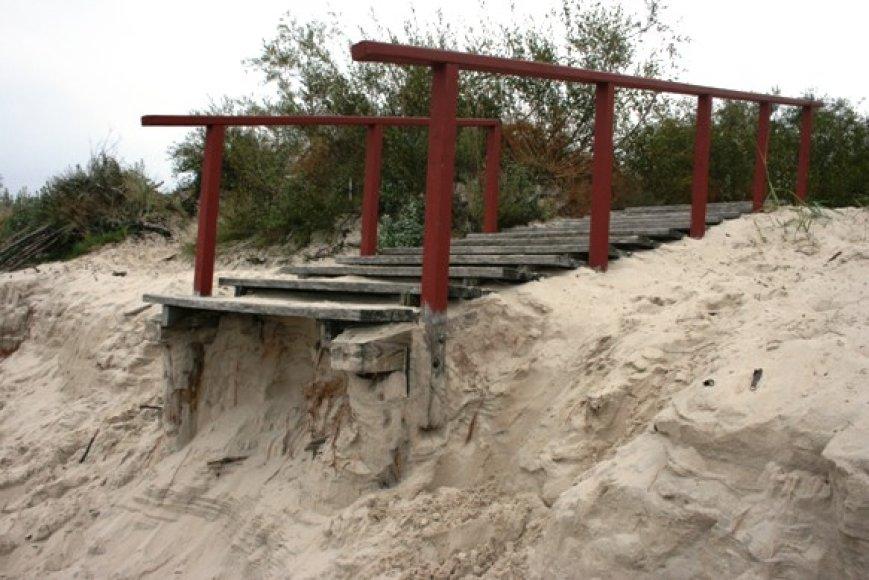 Į Palangą užklydę poilsiautojai išvysta visai kitokį paplūdimį nei vasarą