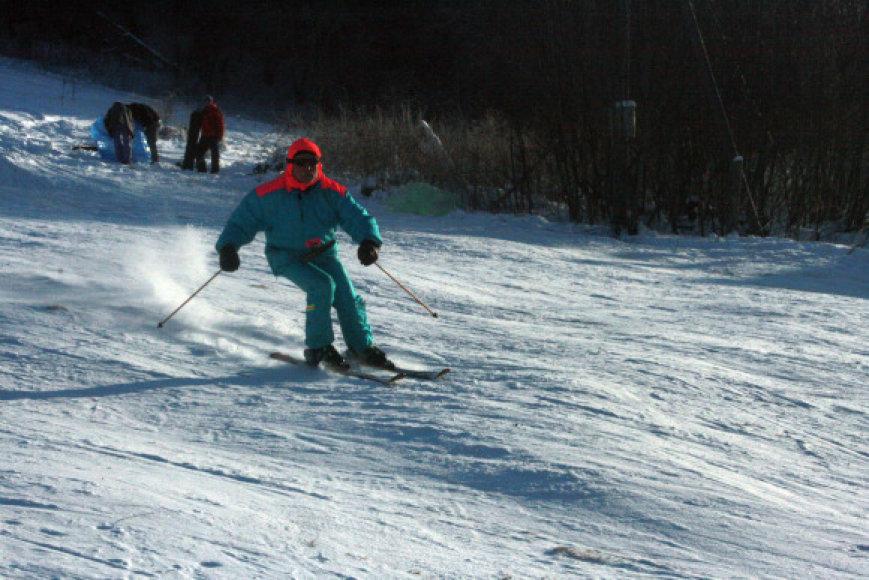 Klaipėdos slidininkai laisvą minutę traukia į Pikteikius.