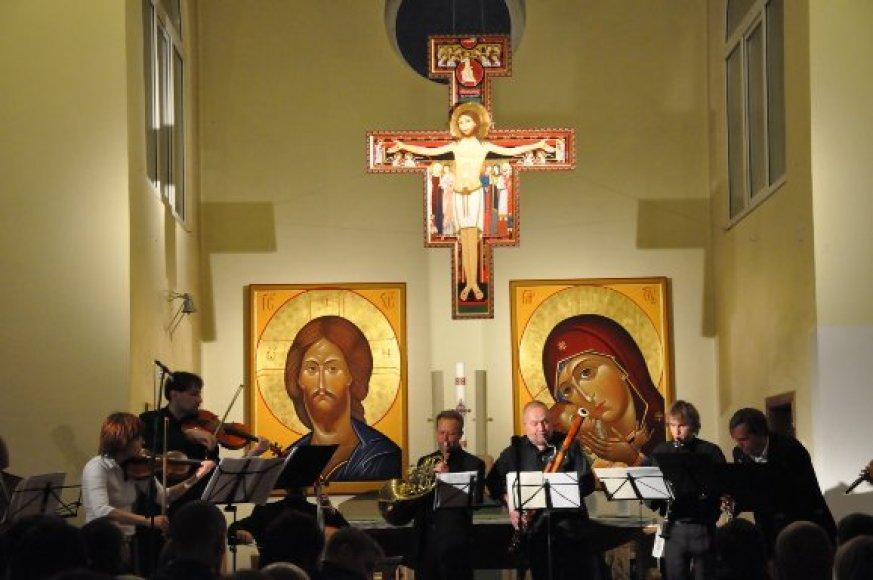 Koncertas Pakutuvėnų bažnyčioje.