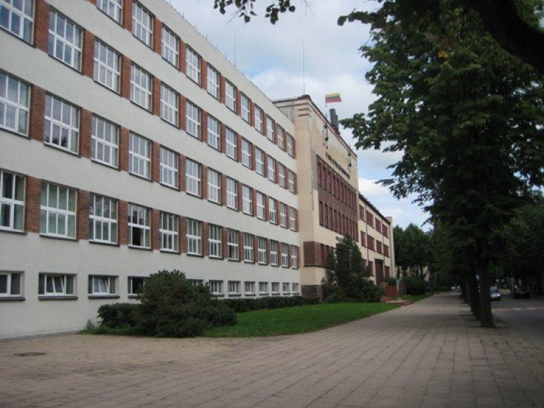 Valdininkai baiminasi, kad mokslo metų pradžia Vytauto Didžiojo gimnazijoje ir vėl gali vėluoti.