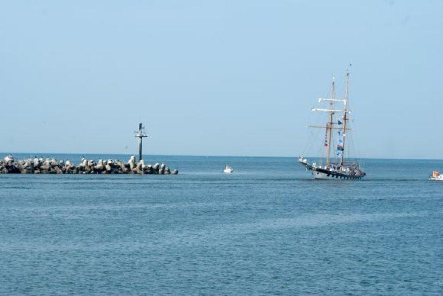 """Šią vasarą """"Brabander"""", vadovaujamas kapitono Valdemaro Vizbaro, įveikė ilgą 7 savaičių trukmės kelionę."""