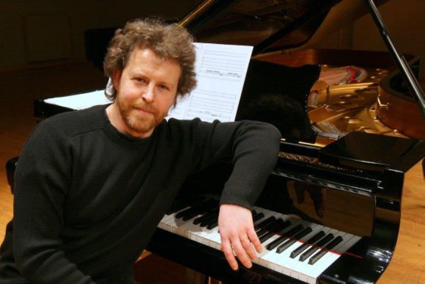 Rokas Zubovas šiuo metu įrašinėja M.K.Čiurlionio muziką.