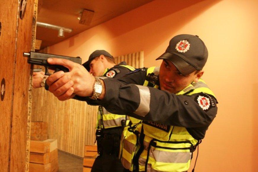 Lietuvos policijos mokykloje kursantai rengiami taip, kad iškart būtų pasiruošę darbui. Beveik visi kursantai, vos tik gavę diplomus gauna paskyrimus į savo komisariatus.