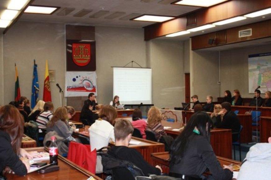 Klaipėdoje rinkosi teisės studijomis susidomėję jaunuoliai.