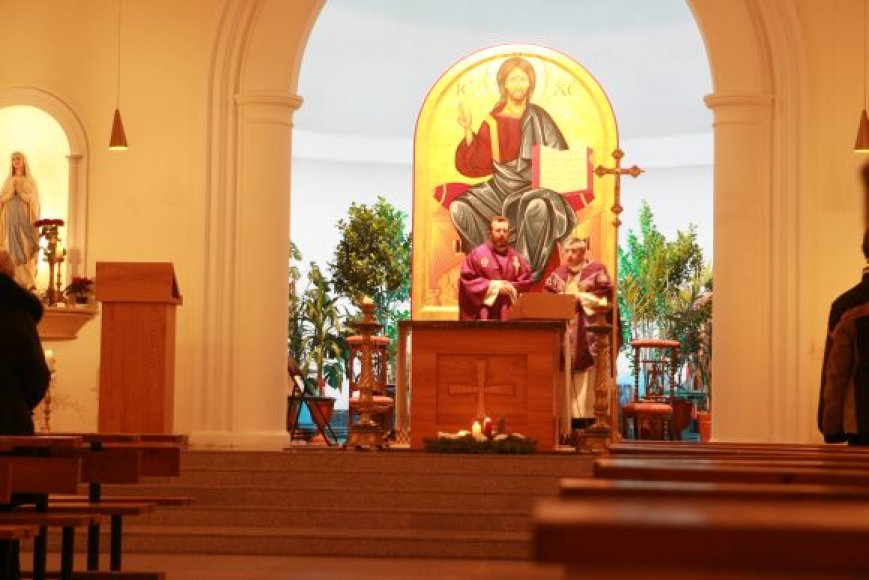 Bažnyčia kviečia prisiminti tikrąją šv.Kalėdų prasmę.