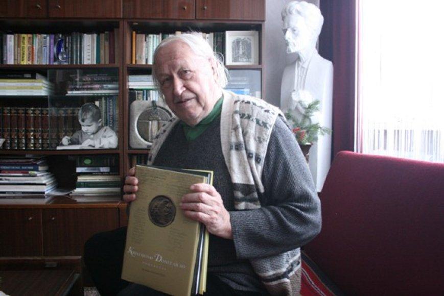 Šie metai puikūs buvo ir pačiam B.Aleknavičiui – išleistos trys jo knygos.