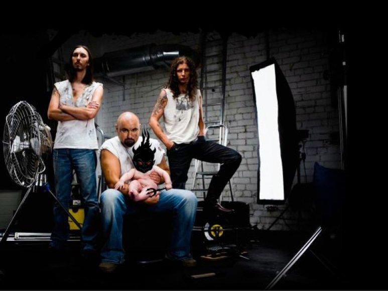 """""""ŽAS"""" koncertui Klaipėdoje parengė programą, kurioje netrūksta ir ankstyvųjų grupės kūrinių."""