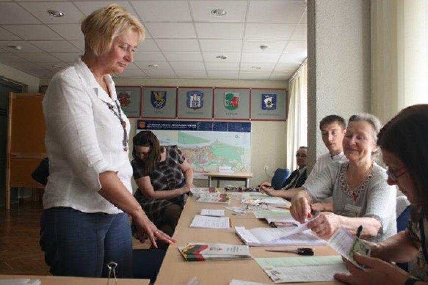 Balsuoti išankstiniuose Seimo rinkimuose atėjusi Gražina tikino, kad balsuoti – kiekvieno pareiga.