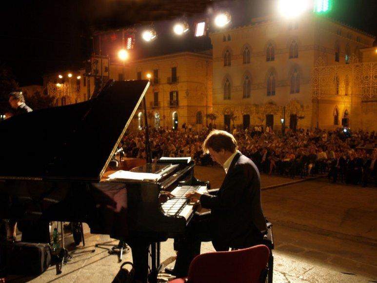 Italų kompozitorius, pianistas ir vargonininkas Vincenzo Cipriani koncertuos ir Lietuvoje – Klaipėdoje bei Vilniuje.