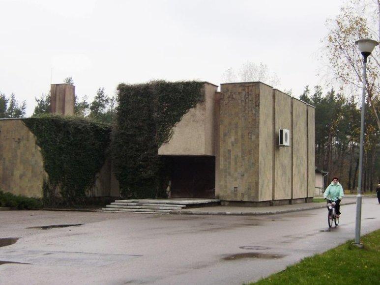 Bus rekonstruojami Palangos Laidojimo namai.