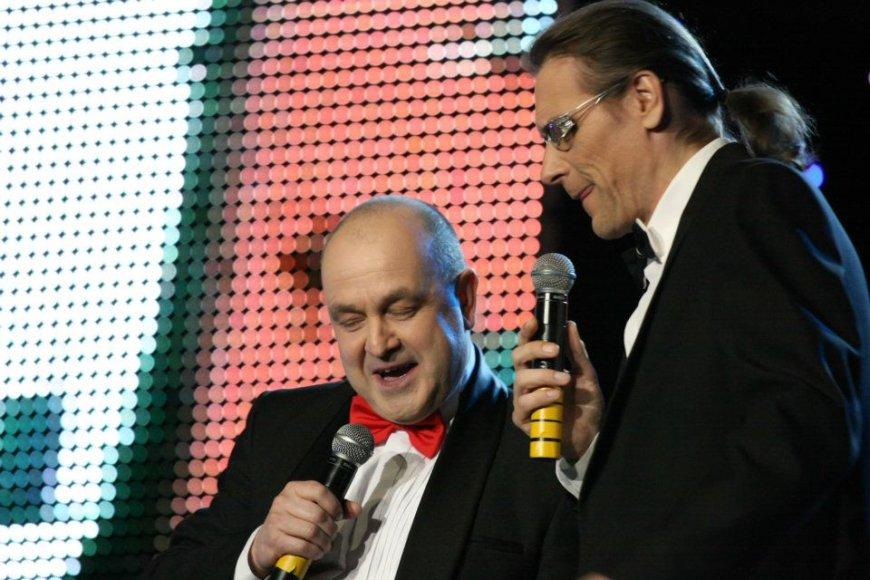 ArtūrasOrlauskas ir Gintautas Kirkila-Klarkas parengė dainuojamosios anekdotų poezijos apie meilę programą.