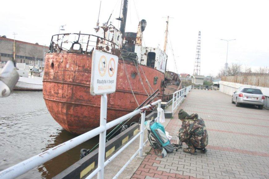 Mažųjų laivų uoste žvejai sekmadienį nepaisė draudimo ženklo. Šiame uostelyje sekmadienį nutiko nelaimė.