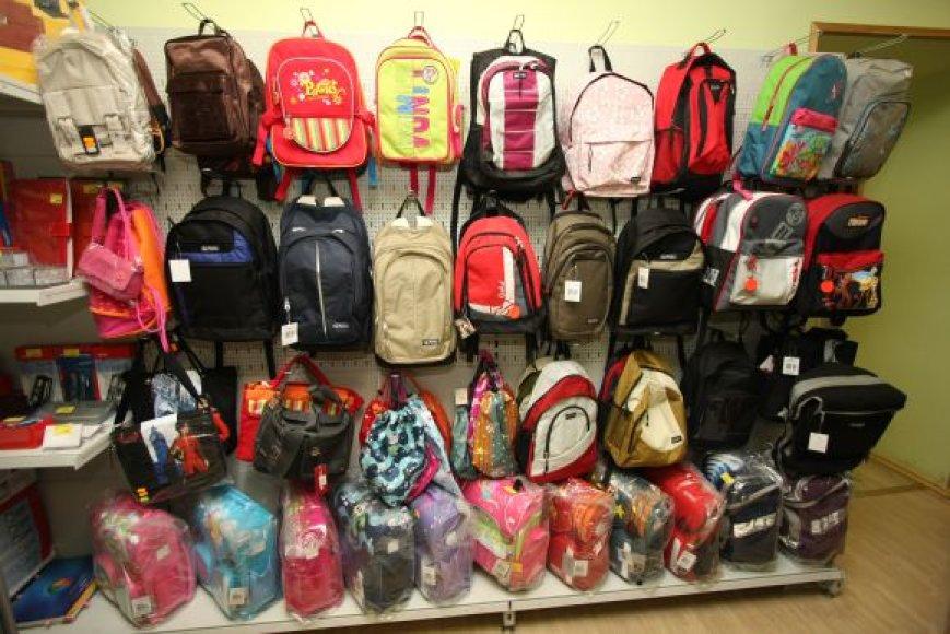 Šiemet Klaipėdoje mokyklas pradėjo lankyti apie 1500 pirmokėlių. Aiškinamasi, kodėl į mokyklos suolą dar niekad nesėdo 10-etė mergaitė.