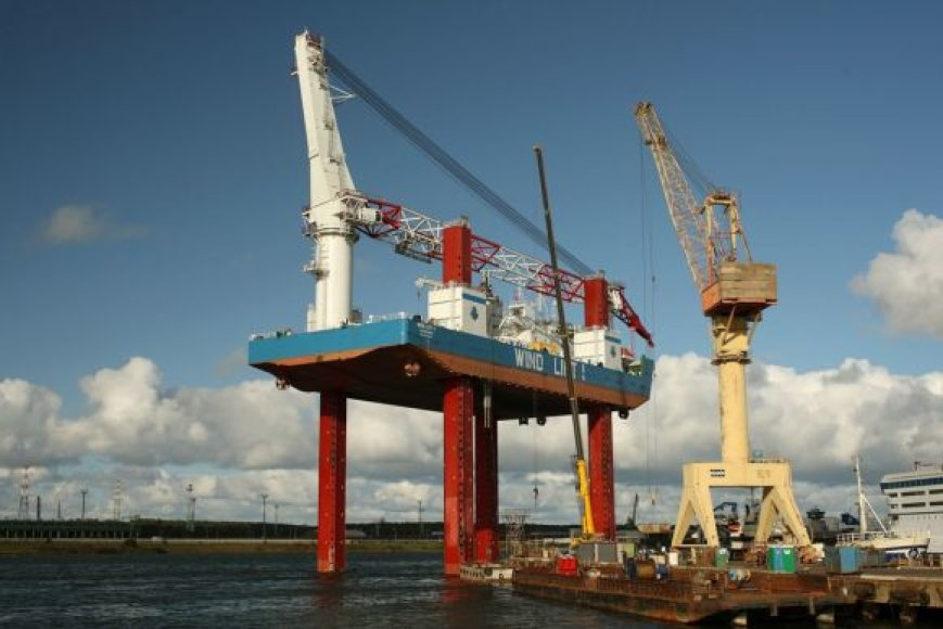 Šiuo metu laivas Windlift1 testuojamas.