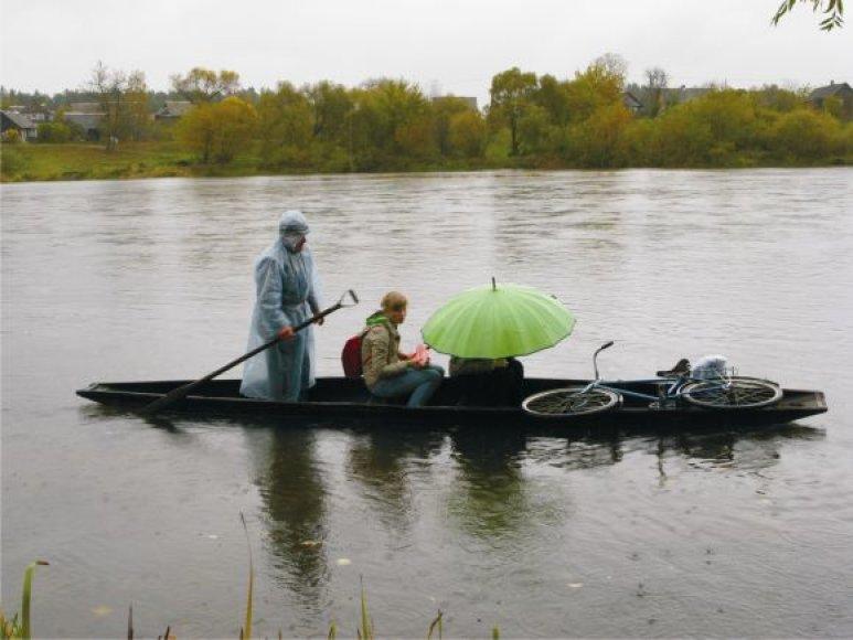 """Filme """"Upė"""" pasakojama apie žmonės, gyvenančius Neries ir Šventosios upių santakoje."""