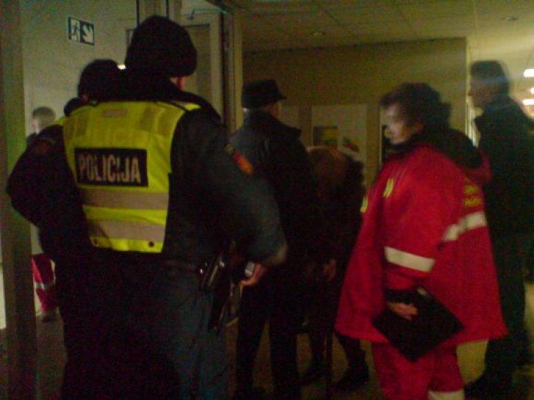 Į savivaldybę atvyko ir policija, ir greitoji.