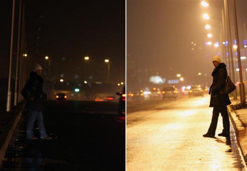 Policijos atstovų teiginius, jog aptemusiose gatvėse vairuotojams sunkiau įžiūrėti pėsčiuosius, netruko įrodyti realybė – sumažinus apšvietimą, eismo nelaimės pasipylė viena po kitos.