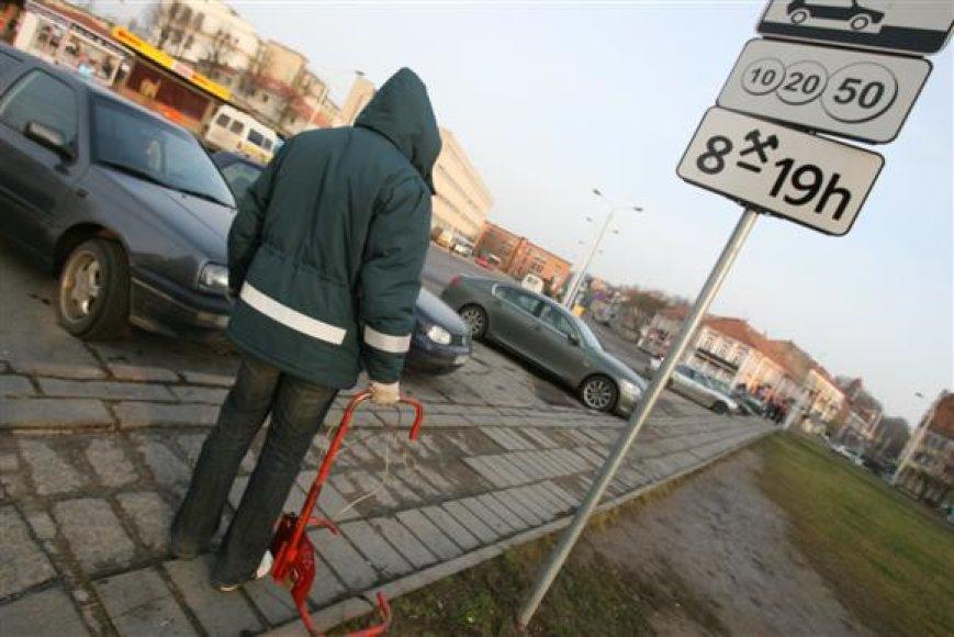 Parkavimo kontrolieriai bus išleisti nemokamų atostogų.