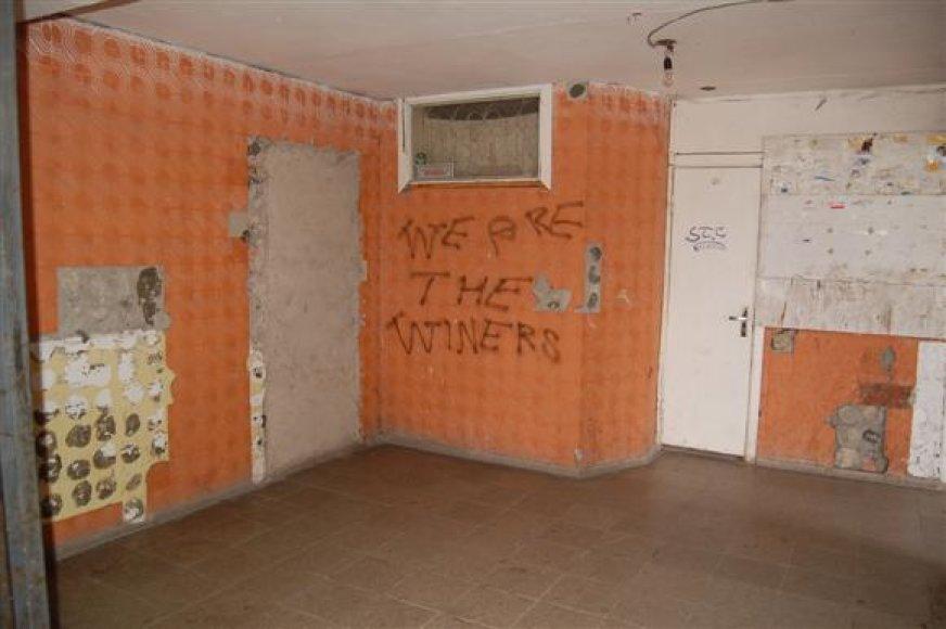 Asocialių žmonių namuose teko daryti tvarką.