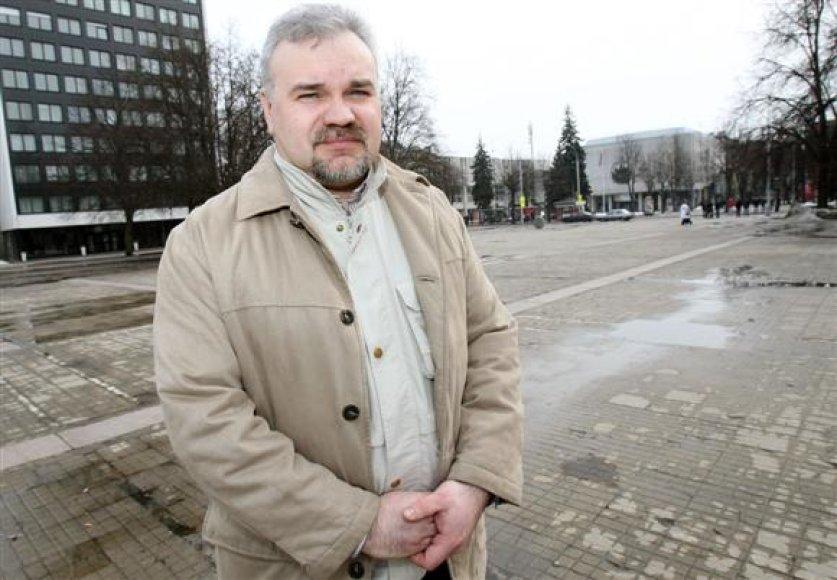 Prieš savaitę iš savivaldybės gavęs oficialų leidimą mitingui, D.Gimžauskas buria ydinga tvarka pasipiktinusius kauniečius.