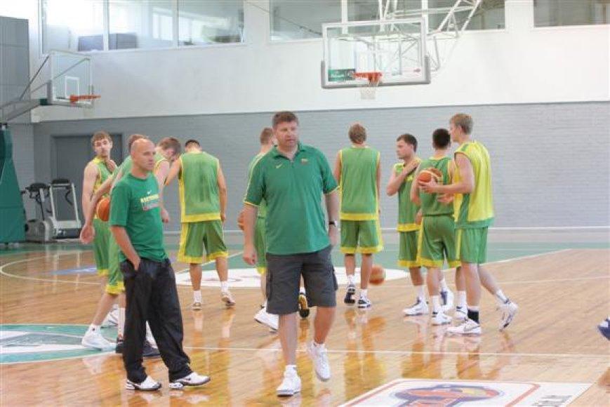 Antrosios rinktinės treneriai - Robertas Kuncaitis (dešinėje) ir Aurimas Matulevičius