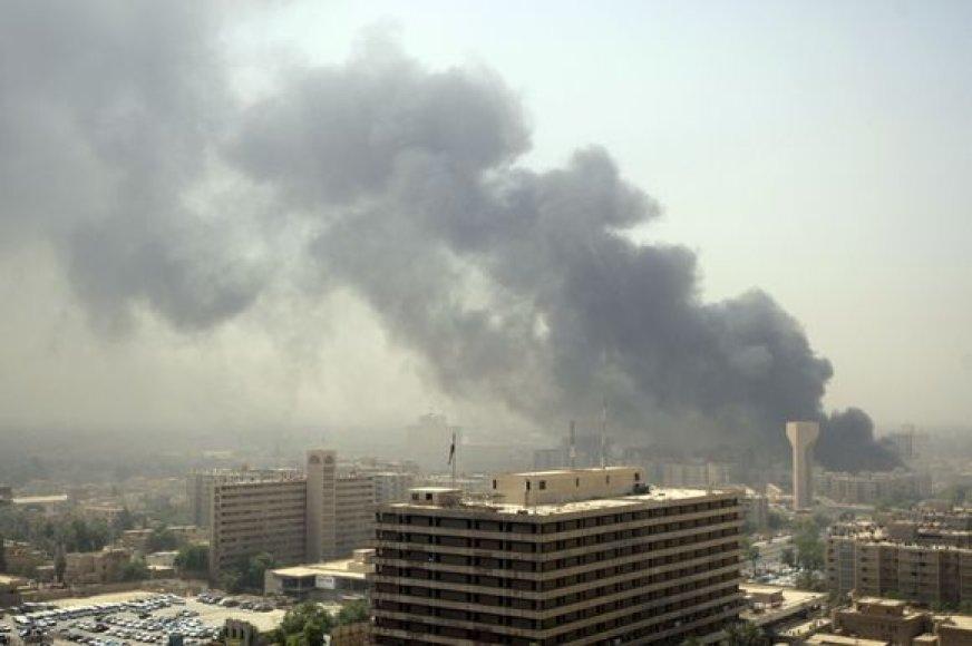 Galingi sprogimai sudrebino Bagdadą