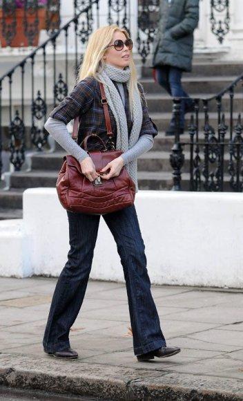 Foto naujienai: Claudia Schiffer drabužius saugo angare!
