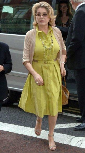 Foto naujienai: Catherine Deneuve – santūri mergišių tramdytoja