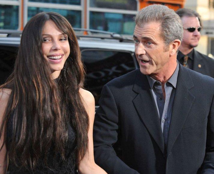 Foto naujienai: Melas Gibsonas turės aštuntą vaiką?