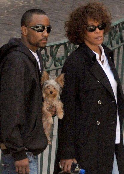 Foto naujienai: Whitney Houston įsimylėjusi