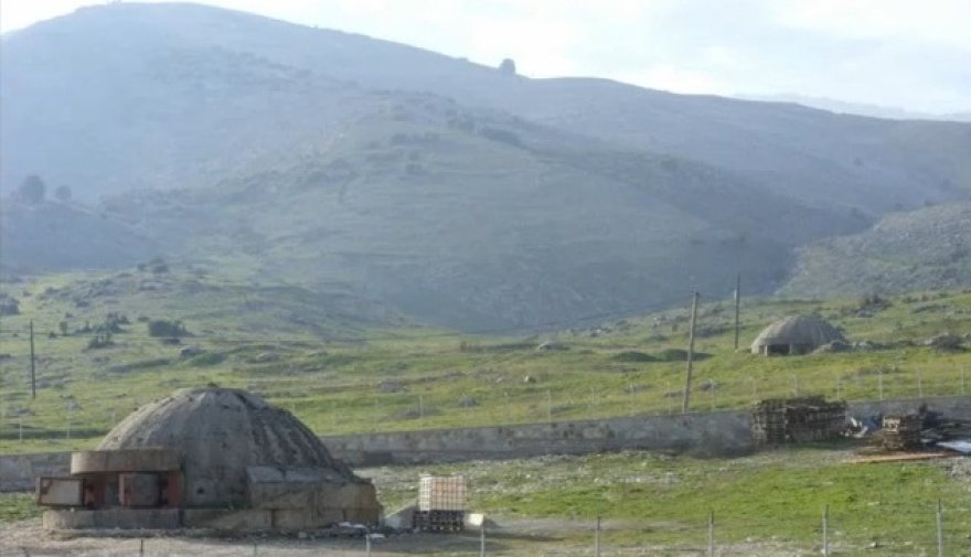 Albanijoje yra apie 750 tūkstančių tokių bunkerių.