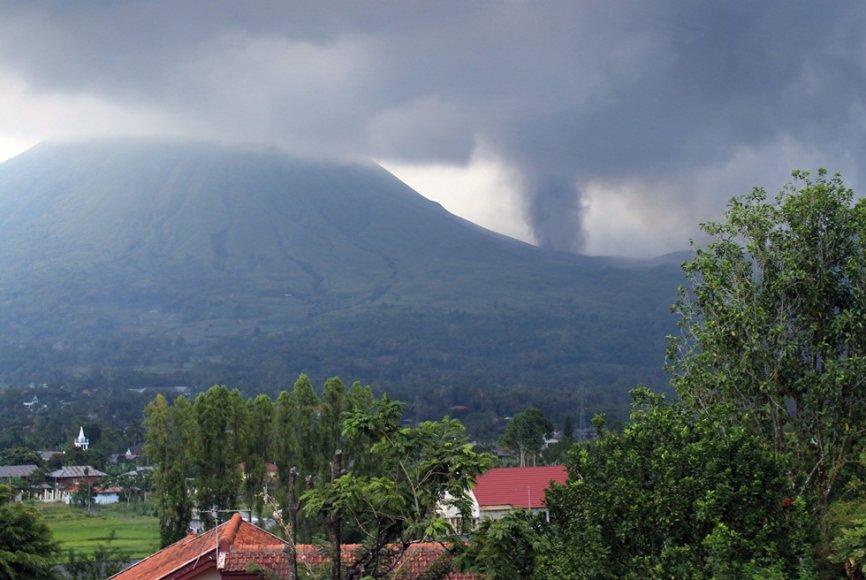 Indonezijoje išsiveržė ugnikalnis.