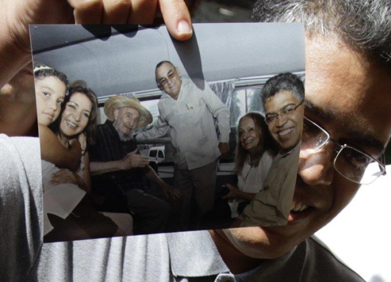 Susitikimo nuotrauka tapo įrodymu, kad F.Castro jaučiasi visai neblogai.
